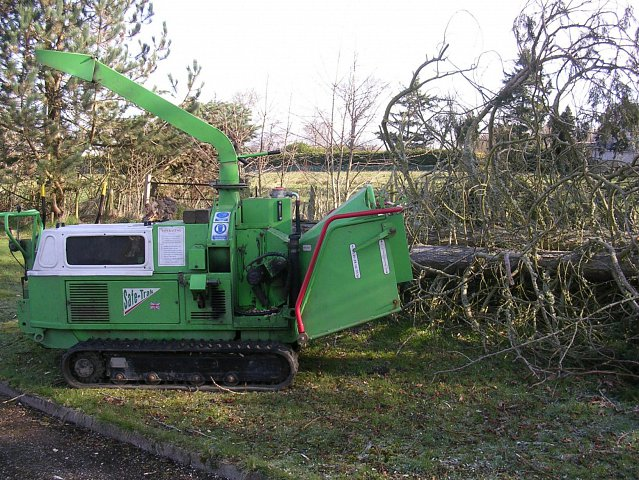 tracked-chipper-safe-trac